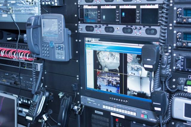 La section d'ingénierie du centre NERV utilise différentes technologies, comme Cisco TelePresence, Unified Communications, Call Manager et des produits de centre de données.